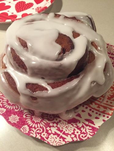 lu-lus-bakery-3lb-cinnamon-bun